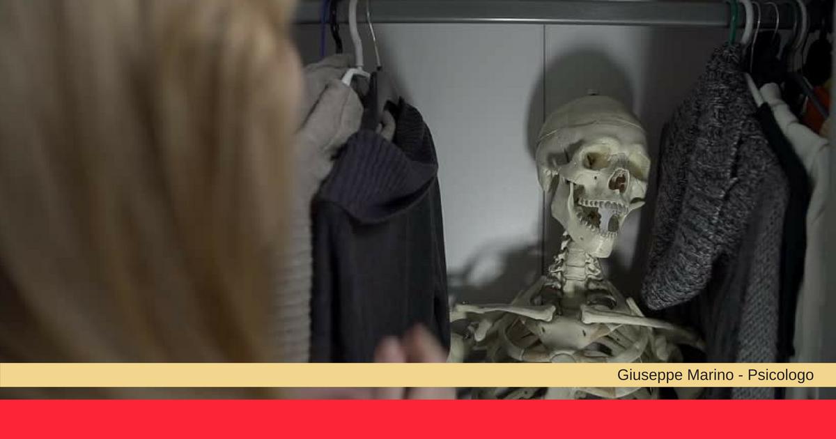 Scheletro nell'armadio: qual è il significato psicologico?